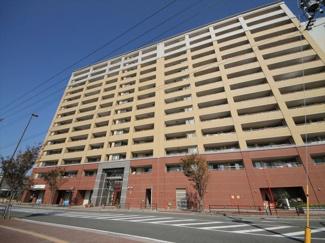 JR竹下駅まで徒歩3分!家を出てから10分以内で博多駅に到着する便利さがなにより魅力。 駐車場も空き有り