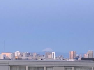 富士山を望めます。