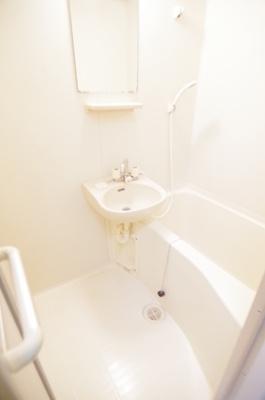 【浴室】レオパレスフローラル・ヴィラ
