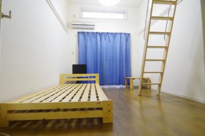 【寝室】レオパレスフローラル・ヴィラ