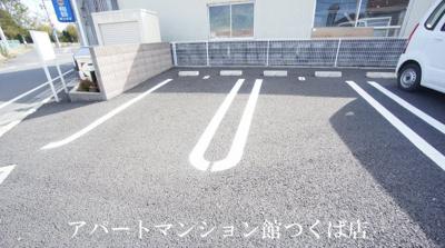 【駐車場】ビエンナーレ