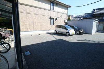 【駐車場】ヴィラージュB棟