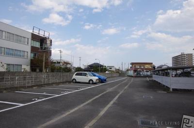 【駐車場】シャトーショコラ C棟