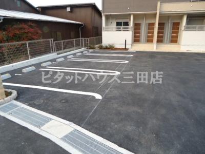 【駐車場】サポーレ