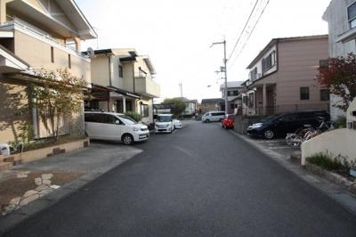【前面道路含む現地写真】下阪本3丁目