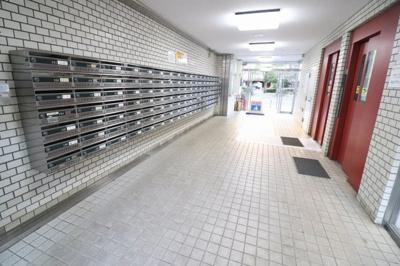 【エントランス】昭島つつじが丘ハイツ21号棟