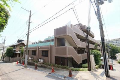 JR芦屋駅より阪急バス『岩園幼稚園前』徒歩4分 閑静な住宅街にございます