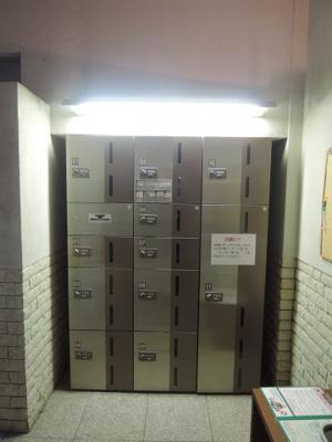不在時にもお荷物が受け取れる宅配ボックス