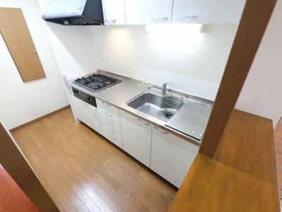 まな板を置くスペースがあるので料理がしやすいキッチンです。