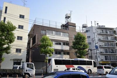 東急東横線「大倉山」駅徒歩8分・「菊名」駅徒歩12分、JR横浜線「菊名」駅徒歩14分。 忙しい朝にゆとりが生まれます。