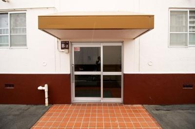 マンションB棟の入り口です。