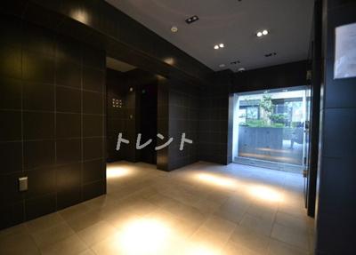 【ロビー】プラティーク新宿WEST