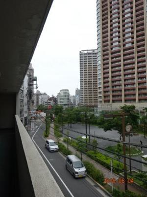 3階共用通路からの展望。