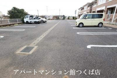 【駐車場】プール・トゥジュール