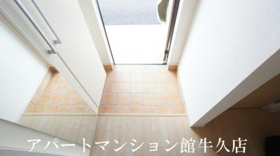 【玄関】ルミエールB