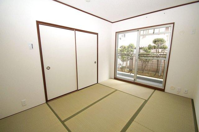 落ち着きのある和室です