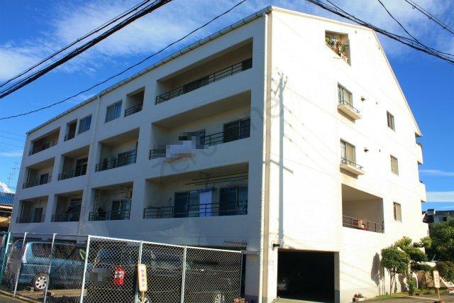 浜寺ガーデンハイム E棟です 1階部分 戸建感覚で住めるお部屋です きれいに改装済です