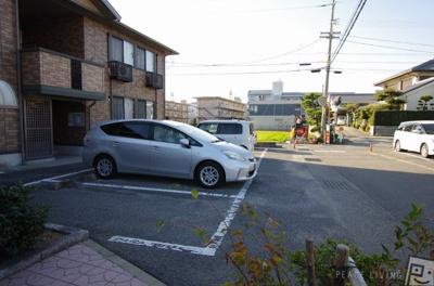 【駐車場】クウラージュ A棟