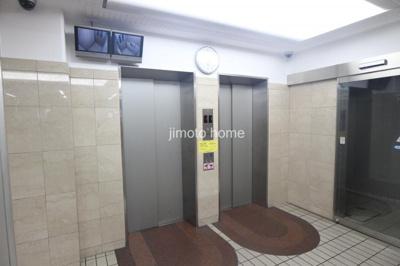 エレベータ2台