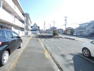 【駐車場】上岡田ガーデンハイツA