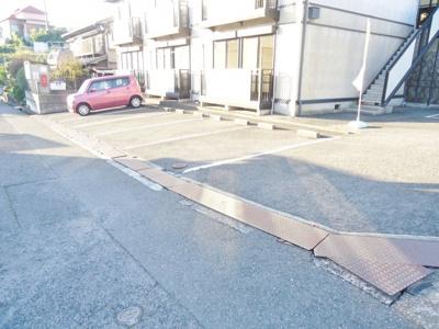 【駐車場】ビーライン日吉台 B