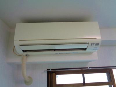 エアコン2機(各部屋設置)