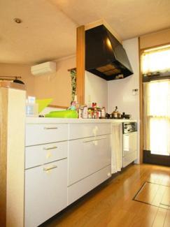■収納豊富なキッチンです。※リフォーム前 <草加市花栗4丁目 中古戸建>