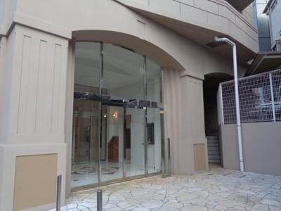 【エントランス】スタンビューレ中野坂上