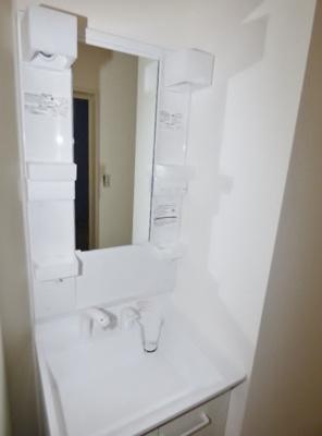 シャワー付洗面台があり、洗髪だけしたいときに便利!