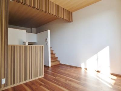 居室の天井高は2.8m!高さもあり開放感があります♪