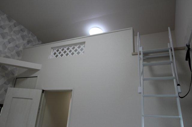 実際に建築したお家のロフトになります。 ロフトがあると天井が高い分解放感があり寝るスペースとしてや収納にしたりとデッドスペースを有効利用できますね♪