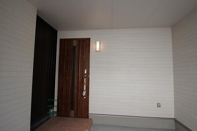 実際に建築したお家の玄関になります。 玄関はお家の顔とも言いますが、フリープランなので選んでいただけますよ♪ お好みのデザインの玄関ドアなら、帰宅の度、嬉しくなりますね♪