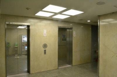 【ロビー】堺東駅前ビル! 84坪! 1F テナント