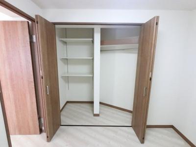 4.5帖のクローゼットです。 たっぷり収納でき居室を広くお使いいただけます。