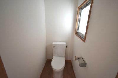 【トイレ】積水ハウス施工 南道路の陽当たりの良い一戸建て(茅ヶ崎市松林3丁目)