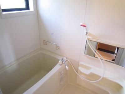 【浴室】ラークヒルズ(ラークヒルズ)