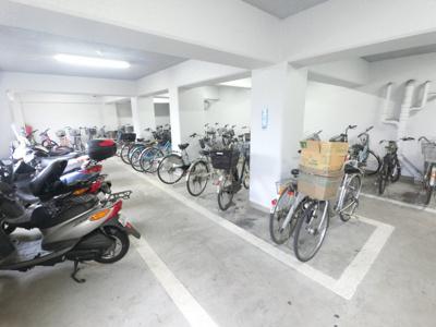 自転車置き場スペースです。 空き状況は担当者までご確認下さい。