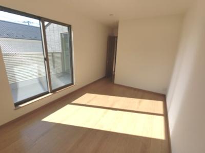 2階には4部屋あるので、様々な用途でお使いいただけます。 お子様のお部屋や書斎にいかがでしょうか? ※参考画像になります。