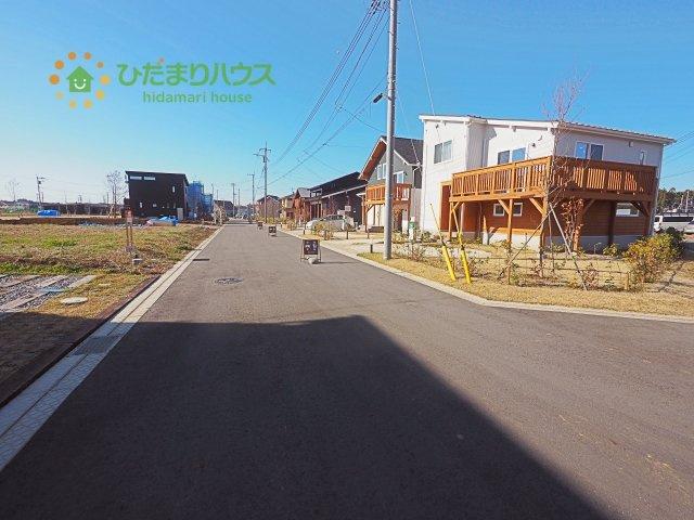 【前面道路含む現地写真】つくば市春風台 新築戸建 ③