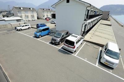 【駐車場】グローブ