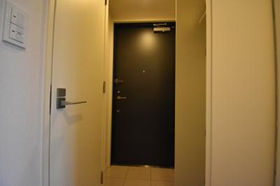 広めの玄関スペースです。