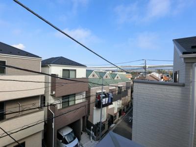 3階部分からの眺望です。 閑静な住宅街となっております。