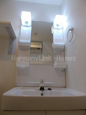 スカイコートパレス西巣鴨の独立洗面台、朝の身支度には欠かせません