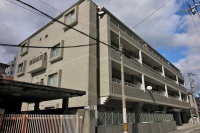 【現地写真】  総戸数13戸のマンションです♪