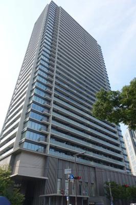 大阪メトロ中津駅直結。免震構造のオール電化タワーマンションです。