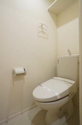暖房洗浄便座機能付きトイレです