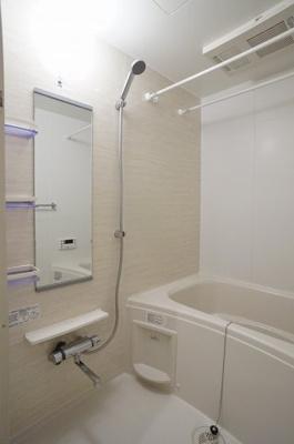乾燥機能及び追い焚き機能給湯のある浴室です。