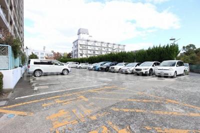敷地内駐車場でマイカーも安心
