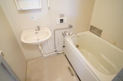 【浴室】リバーサイドB