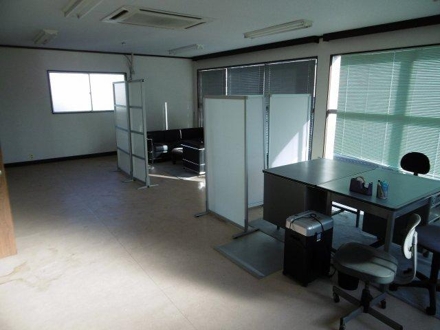 八幡町事務所2階3階